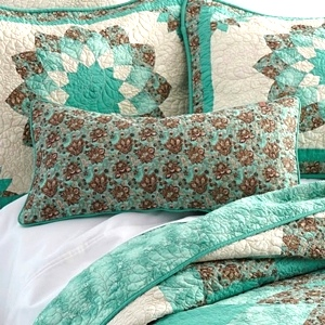 Sea Breeze Dahlia Collection by Donna Sharp | Sea Breeze Dahlia Donna Sharp | Donna Sharp | Donna Sharp Quilt