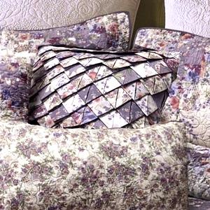 Secret Garden Irish Chain Quilt Collection by Donna Sharp | Donna Sharp Quilts