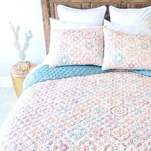 Willow Quilt Set by Donna Sharp